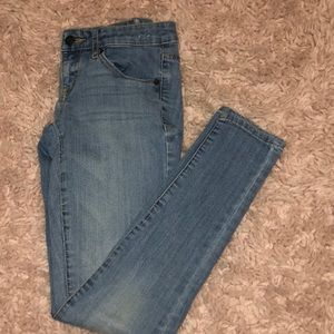 gently worn mossimo light washed denim jeans